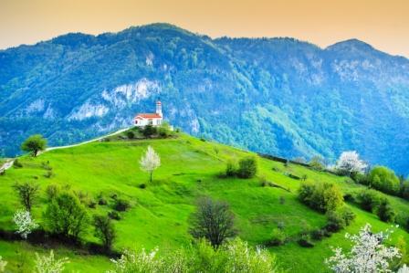 Монастырь в Болгарии. Фото: shutterstock.com